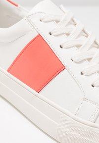 Even&Odd - Trainers - white/coral - 2