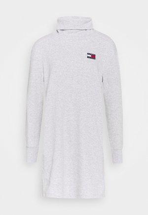 BADGE MOCK NECK DRESS - Vestito estivo - silver grey