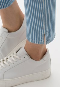 BRAX - STYLE MARY  - Slim fit jeans - light blue - 4