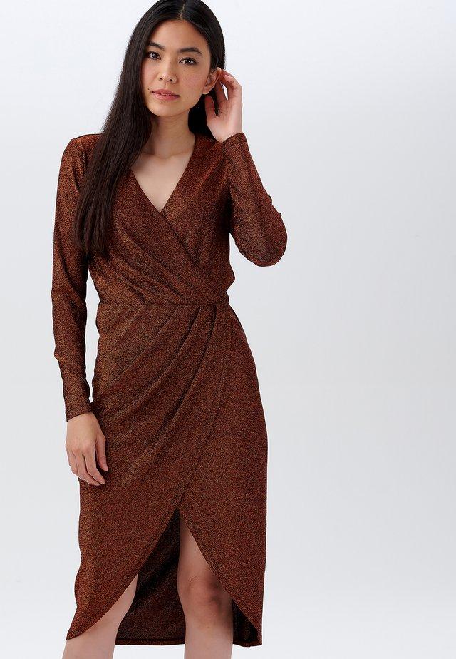 Day dress - bronze