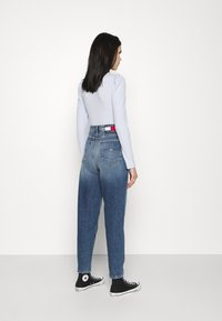 Tommy Jeans - MOM - Relaxed fit jeans - oslo light blue - 2