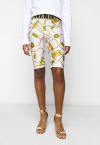 Versace Jeans Couture - BIKER - Shorts - white - 0