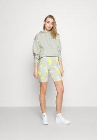 Nike Sportswear - Shorts - barely green - 1
