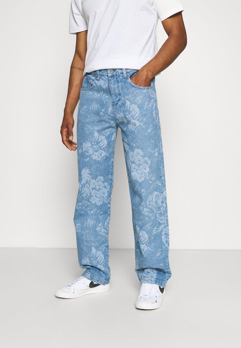 Jaded London - LASER ETCHED FLORAL SKATE - Straight leg jeans - blue