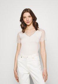 Morgan - DEXIA - Print T-shirt - ivoire - 0