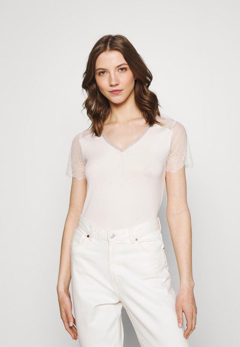 Morgan - DEXIA - Print T-shirt - ivoire