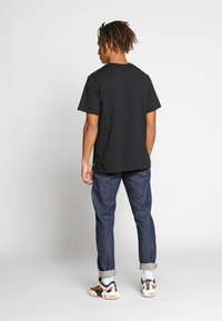 Levi's® - RELAXED GRAPHIC TEE - Print T-shirt - serif black - 2