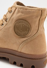 Palladium - PAMPA - Lace-up ankle boots - woodlin - 5