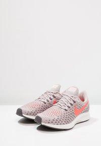 Nike Performance - AIR ZOOM PEGASUS 35 - Zapatillas de running neutras - particle rose/flash crimson - 2