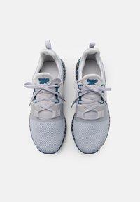 Reebok - FLASHFILM TRAIN 2.0 UNISEX - Sports shoes - cold grey/core black/brave blue - 3