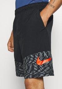 Nike Performance - SHORT 3.0  - Korte sportsbukser - black/team orange - 5