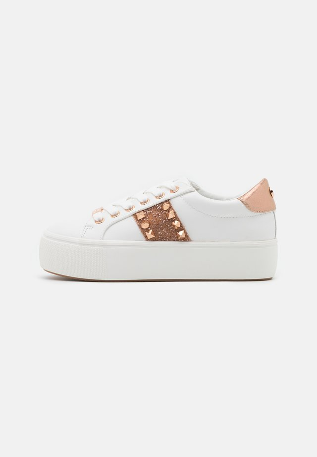 ESCALA - Sneakers basse - rose gold
