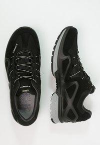 Lowa - GORGON GTX - Chaussures de marche - schwarz/anthrazit - 1