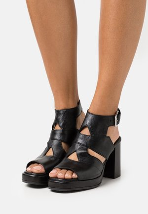 APERTA - Sandály na platformě - nero
