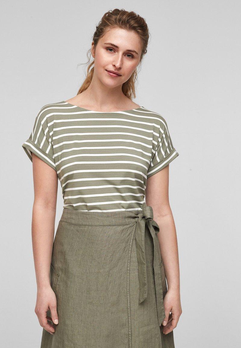 s.Oliver - Print T-shirt - summer khaki stripes