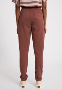 ARMEDANGELS - IVAA EARTHCOLORS® - Tracksuit bottoms - natural dusty rose - 2
