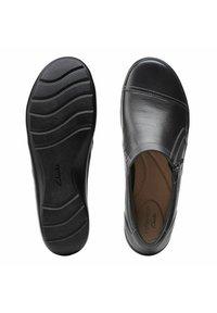 Clarks - CORA GINY - Slip-ons - black tumbled - 4