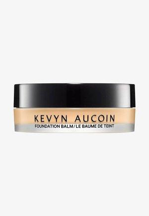 KEVYN AUCOIN FOUNDATION THE FOUNDATION BALM - LIGHT FB 03 - Foundation - -