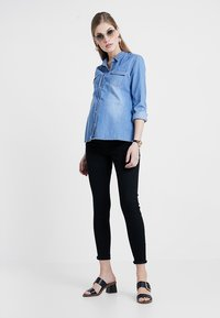Zalando Essentials Maternity - Jeans Skinny Fit - black denim - 1