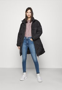 Tommy Jeans - DIAMOND QUILTED COAT - Winterjas - black - 1