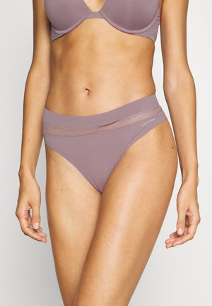 PERFECTLY FLEX THONG - String - plum dust