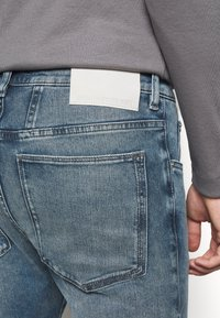 DRYKORN - WEL - Jeans Tapered Fit - light blue - 5