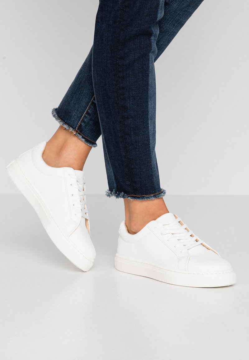 Rubi Shoes by Cotton On - LIANA RISE  - Joggesko - white