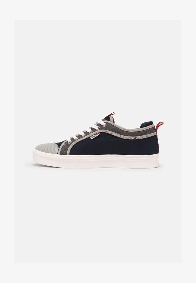 DEN - Baskets basses - navy/grey
