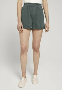 TOM TAILOR DENIM - CONSTRUCTED PAPERBAG - Denim shorts - dusty pine green - 0