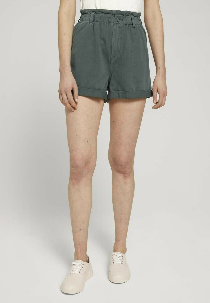 TOM TAILOR DENIM - CONSTRUCTED PAPERBAG - Denim shorts - dusty pine green