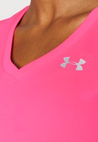 Under Armour - TECH - Basic T-shirt - cerise - 4