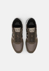 Armani Exchange - Trainers - brown/taupe - 3
