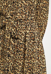 Colourful Rebel - KERA LEOPARD SHIRT DRESS BROWN - Blousejurk - brown - 5