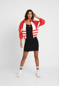 adidas Originals - LOGO - Trainingsvest - lush red/white - 1