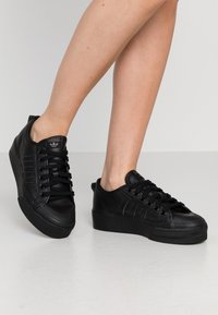 adidas Originals - NIZZA SPORTS INSPIRED SHOES - Trainers - core black - 2