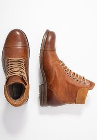 Sneaky Steve - DOVERLAKE - Lace-up ankle boots - cognac - 1