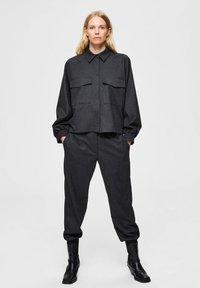 Selected Femme - Trousers - dark grey melange - 1