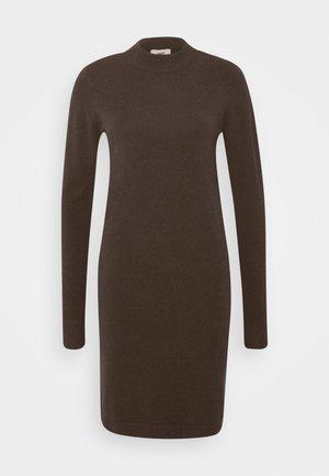 OBJTHESS DRESS SEASONAL - Shift dress - chicory coffee