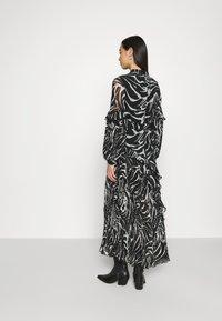 Topshop - ZEBRA PLEATED - Maxi dress - mono - 2