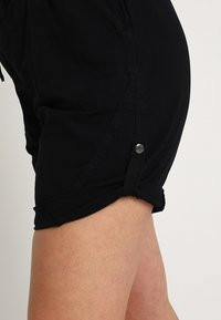 Zizzi - ABOVE KNEE - Shorts - black - 5