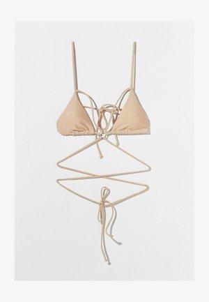 MIT METALLRINGEN  - Bikini top - gold