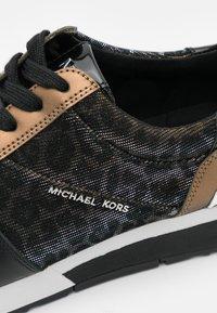 MICHAEL Michael Kors - ALLIE TRAINER - Zapatillas - black/bronze - 6