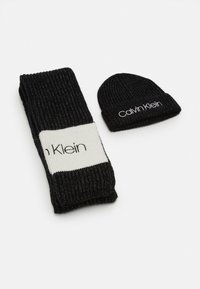 Calvin Klein - BEANIE SCARF SET - Scarf - black - 0