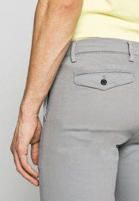 NN07 - JOE - Trousers - medium grey - 5