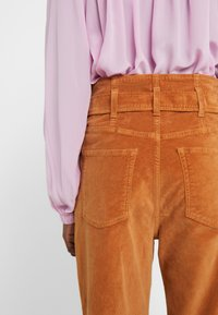 3x1 - KELLY PAPERBAG - Kalhoty - russet - 3