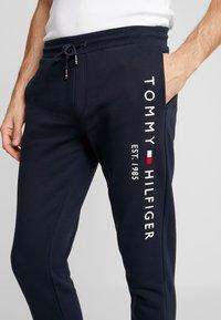 Tommy Hilfiger - BASIC BRANDED  - Pantaloni sportivi - blue - 5