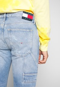 Tommy Jeans - TAPERED CARPENTER - Vaqueros tapered - light-blue denim - 6