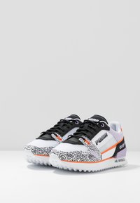 Puma - MILE RIDER - Zapatillas - white/black/dragon fire - 4