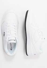 Champion - LOW CUT SHOE REBOUND - Koripallokengät - white/black - 1