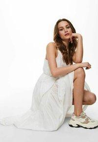 ONLY - ONLVIVI DRESS - Maxi dress - cloud dancer - 4